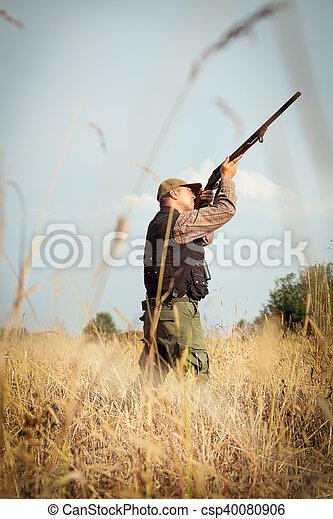 Hunter wild duck hunting - csp40080906