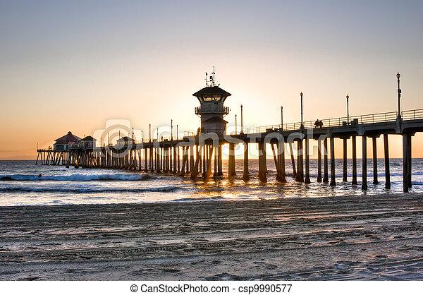 Huntington Beach Pier - csp9990577