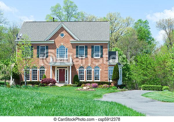 hus, förorts-, främre del, ensam släkt, md, hem, tegelsten - csp5912378