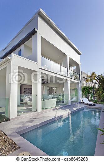 hus, nymodig, slå samman, simning - csp8645268