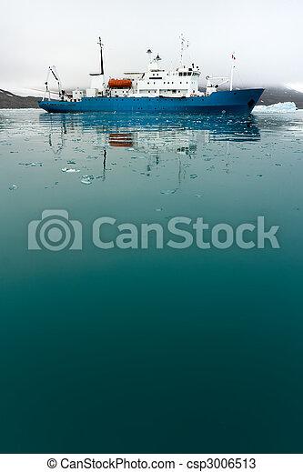Icebreaker in Icy Water - csp3006513