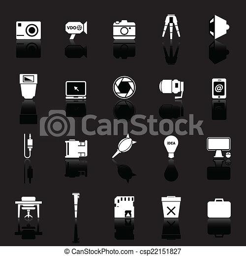Fotografías relacionadas con íconos con el reflejo de fondo negro - csp22151827