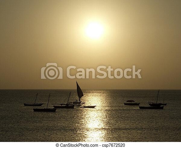 Soleado idílico en Zanzibar - csp7672520