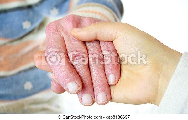 idősebb ember, women's, fiatal, kézbesít - csp8186637