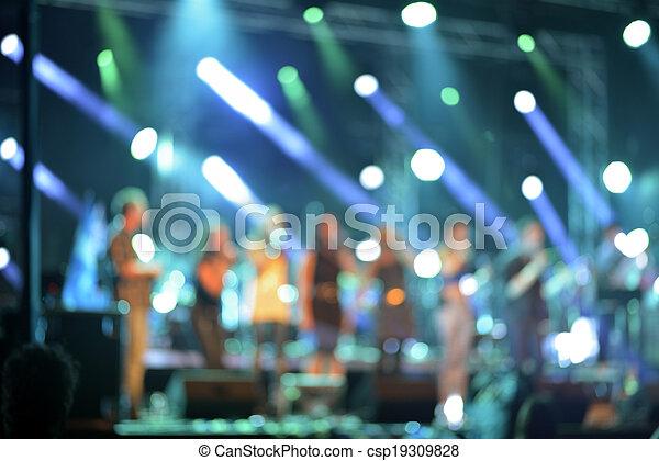illuminato, concerto, palcoscenico, defocused, colorito - csp19309828