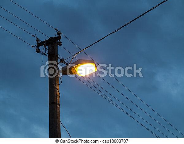 iluminación calle - csp18003707