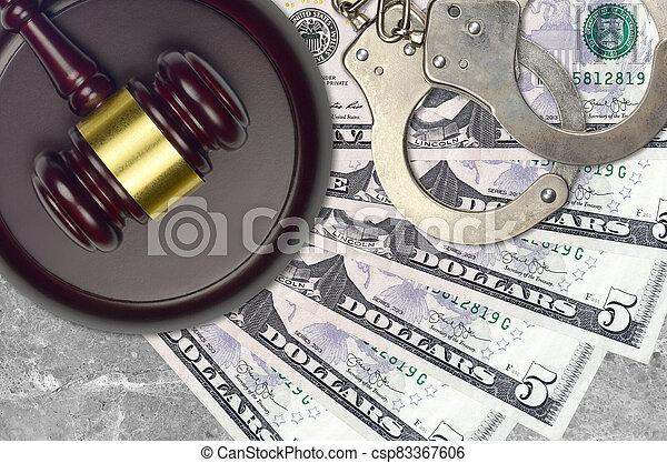 impôt, action éviter, procès, desk., marteau, tribunal, police, juge, 5, judiciaire, bribery., menottes, nous, factures, concept, dollars, ou - csp83367606