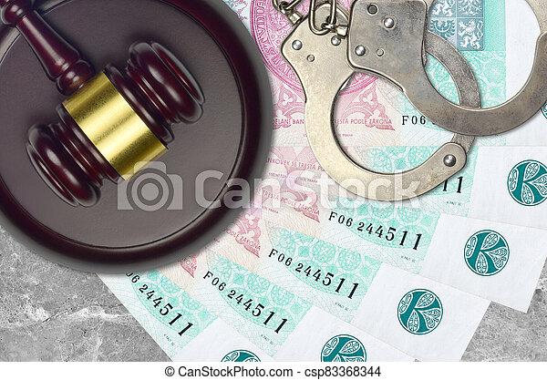 impôt, action éviter, procès, desk., korun, marteau, police, juge cour, judiciaire, menottes, factures, concept, tchèque, ou, 100, bribery. - csp83368344