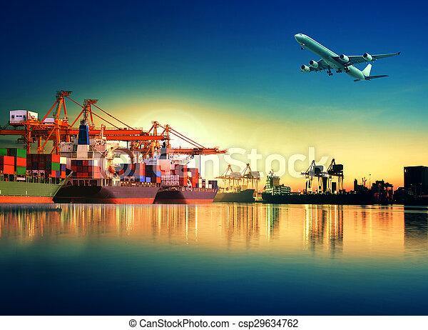 import, imod, fartøj, skib, lastning, transport, havn, eksporter, beholder, forsendelse fragt, anvendelse, lys, yard, formiddag, last, smukke - csp29634762