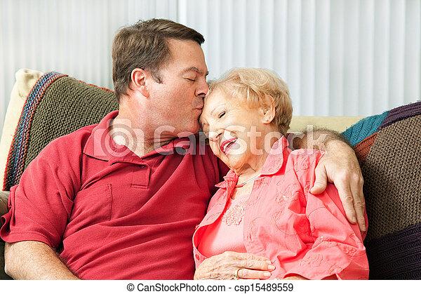 importar-se, idoso, mãe - csp15489559