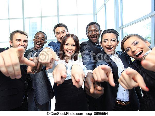 indicare, persone affari, giovane, ritratto, lei, eccitato - csp10695554