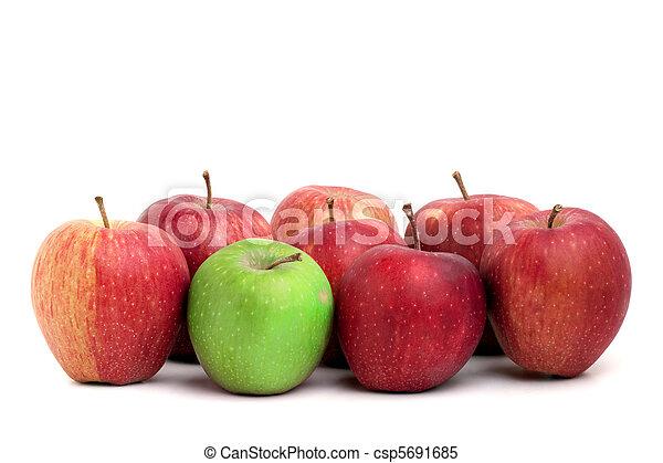 Individualidad en manzanas - csp5691685
