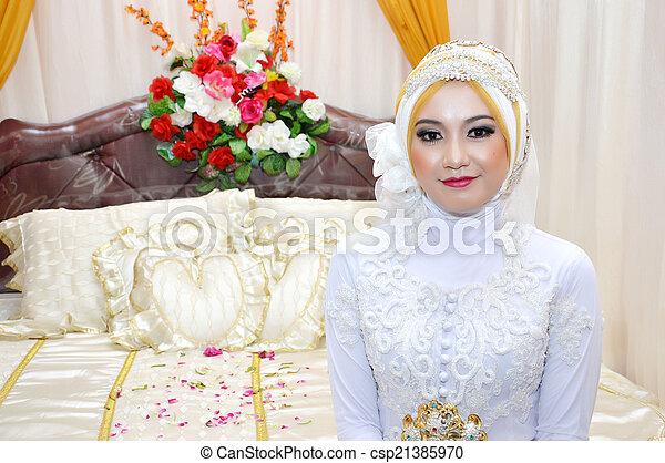 Indonesian bride - csp21385970