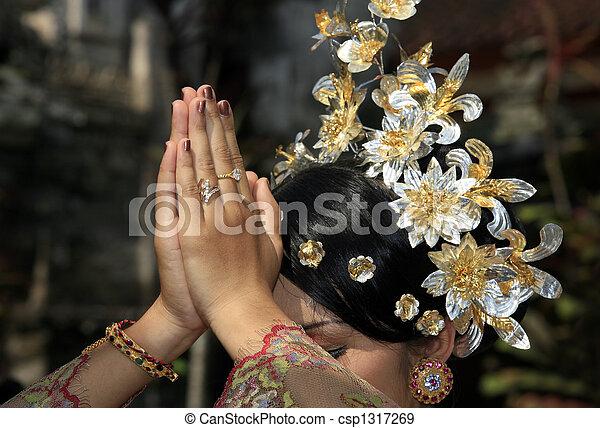 Indonesian bride - csp1317269