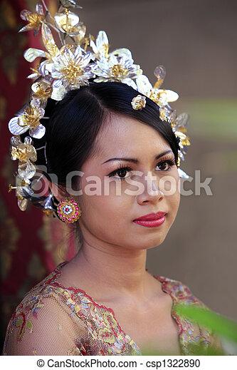 Indonesian bride - csp1322890
