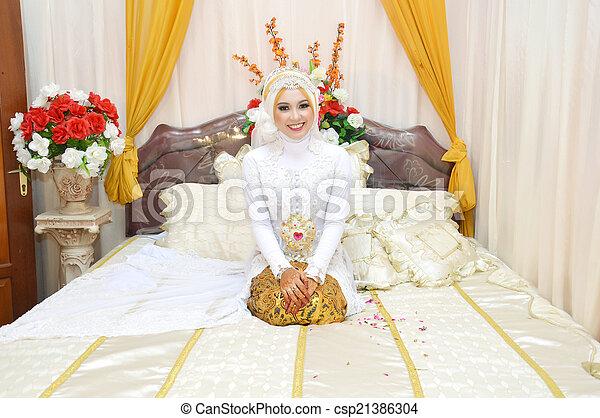 Indonesian bride - csp21386304