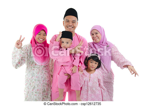 indonesian family during hari raya - csp12612735
