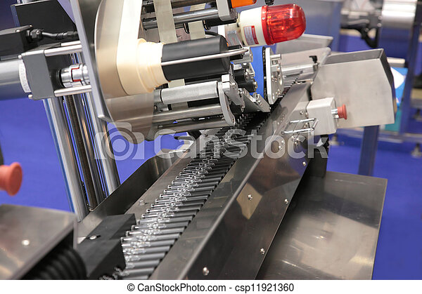 Industria farmacéutica - csp11921360