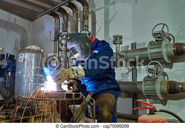 industriale, lavoro, lavoratore, saldatore arco, saldatura - csp70099299