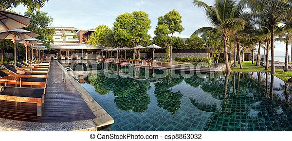 Infinity Pool panorama - csp8863032