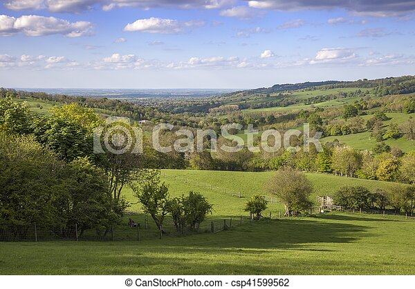 Cotswolds rurales cerca del pueblo de Snowshill, Gloucestershire, Inglaterra - csp41599562