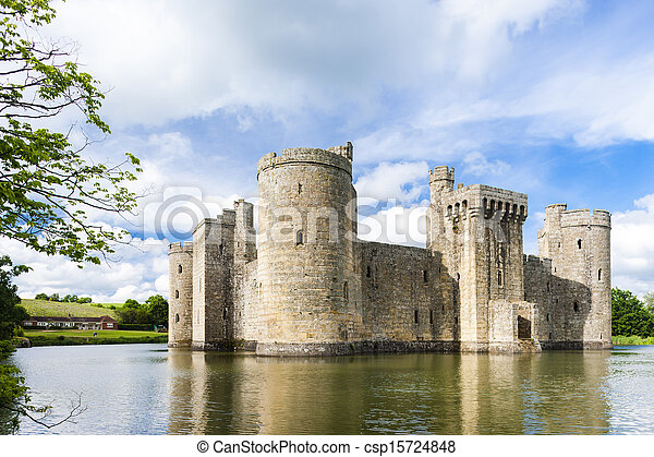 Castillo Bodiam, East Sussex, Inglaterra - csp15724848
