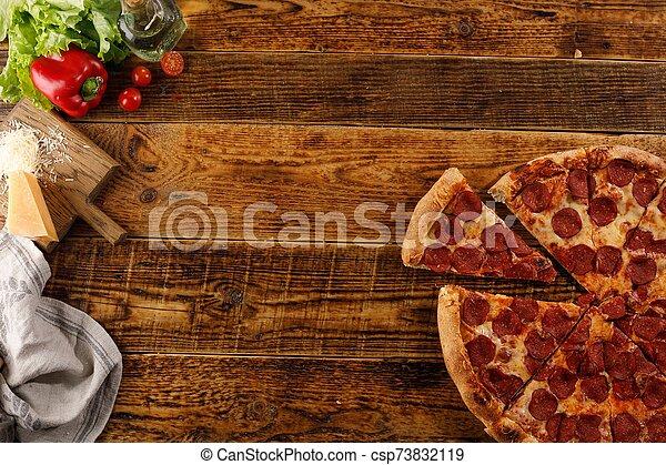 ingredients., vue., bois, pizza, vie, table., encore, space., sommet, copie, pepperoni - csp73832119