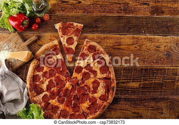 ingredients., vue., bois, pizza, vie, table., encore, space., sommet, copie, pepperoni - csp73832173