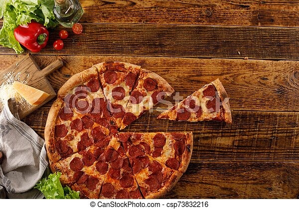 ingredients., vue., bois, pizza, vie, table., encore, space., sommet, copie, pepperoni - csp73832216