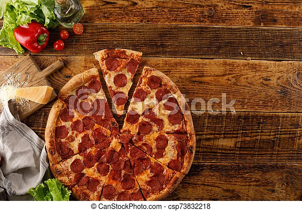 ingredients., vue., bois, pizza, vie, table., encore, space., sommet, copie, pepperoni - csp73832218