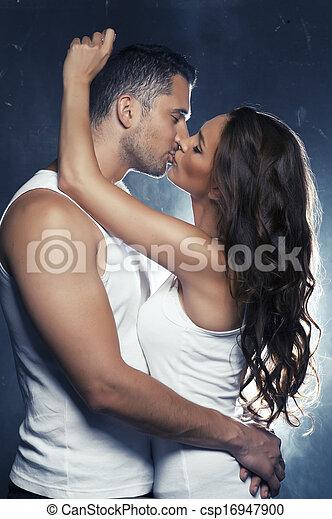 innen, paar, junger, lächeln, liebe, umarmen, schöne  - csp16947900