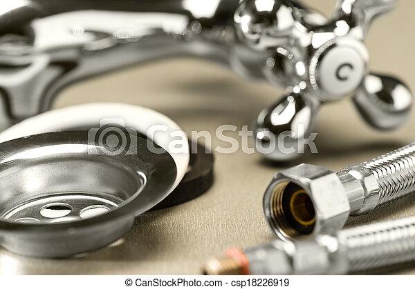 Una selección de accesorios de plomería - csp18226919