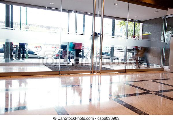 intérieur bâtiment, occupé - csp6030903