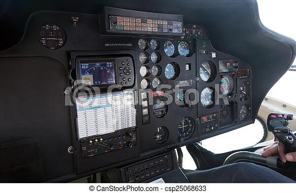 Intérieur, hélicoptère, cabine. Intérieur, hélicoptère, closeup, cabine.