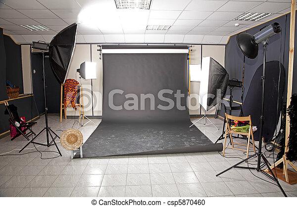 int rieur professionnel studio fond noir lampes poche. Black Bedroom Furniture Sets. Home Design Ideas