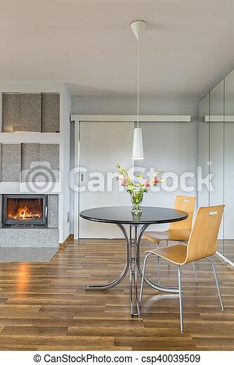 Int rieur table chemin e maison th villa chaises lumi re deux int rieur spacieux - Cheminee interieur maison ...