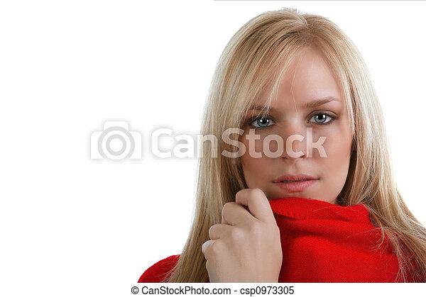 Rubia con mirada intensa - csp0973305