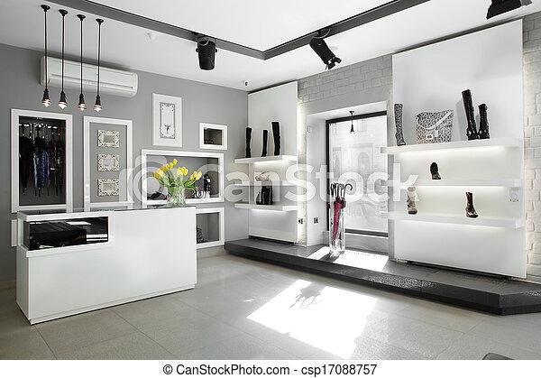 Una zapatería de lujo con interior brillante - csp17088757