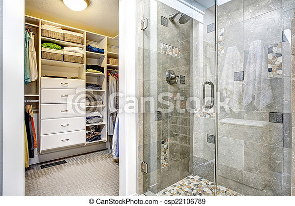 Interior, cuarto de baño, moderno, walk-in, armario. Cuarto de baño ...