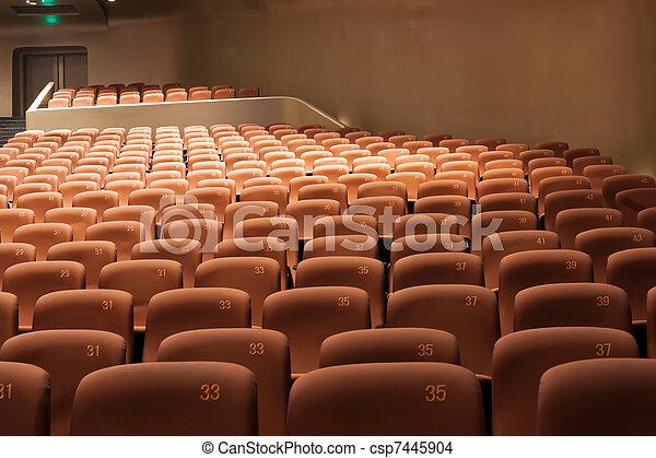Interior moderno del teatro - csp7445904