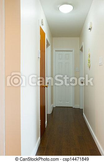 Interior vacío del pasillo - csp14471849