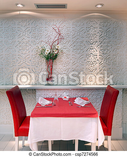 El interior del restaurante - csp7274566