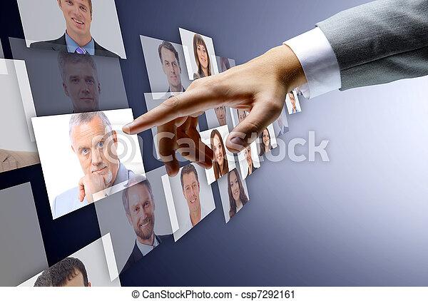 Equipo internacional de negocios sobre mí - csp7292161