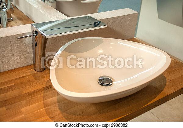 Interno bagno moderno rubinetto lavandino bagno moderno