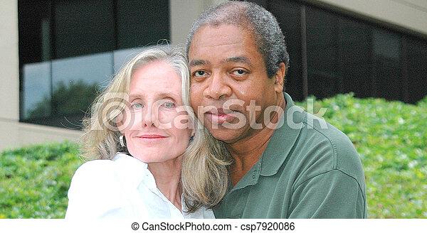 interracial, カップル。 - csp7920086