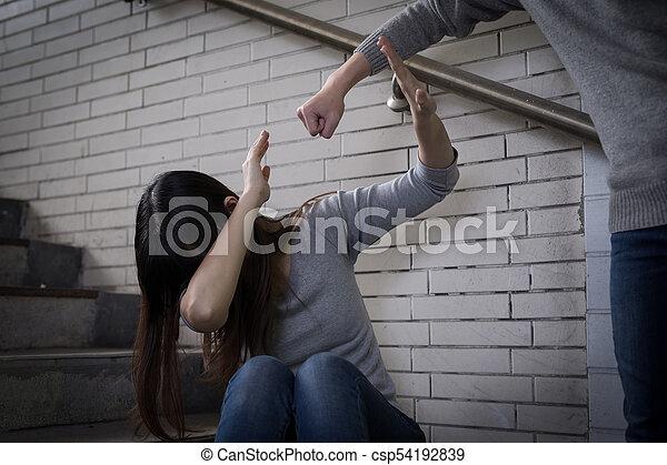 intimide, mulher, conceito - csp54192839
