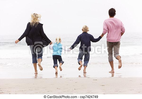 inverno, família, costas, jovem, funcionar ao longo praia, vista - csp7424749