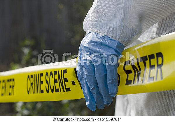 Investigación de la escena del crimen - csp15597611