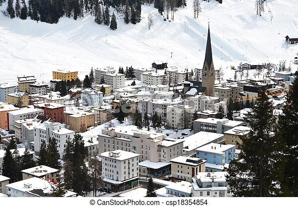 Vista de invierno de Davos, famoso centro turístico de esquí suizo - csp18354854