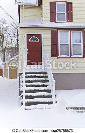 Casa, invierno - csp25756573